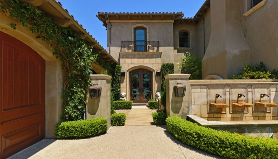 Dream Homes International – Old-World Mediterranean Charm